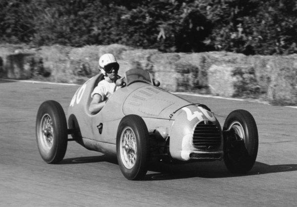 1951 Italian Grand Prix.Monza, Italy. 16 September 1951.Robert Manzon (Simca-Gordini T15). Ref-51/50 #15.World Copyright - LAT Photographic