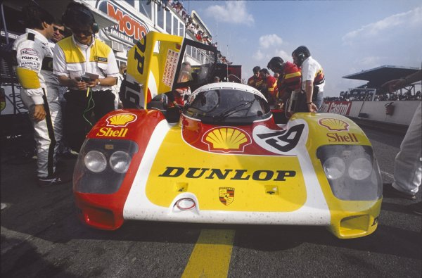 Le Mans, France. 11th - 12th June 1988.Mario Andretti/Michael Andretti/John Andretti (Porsche 962C), 6th position, pit stop, action.World Copyright: LAT Photographic.Ref: 88LM