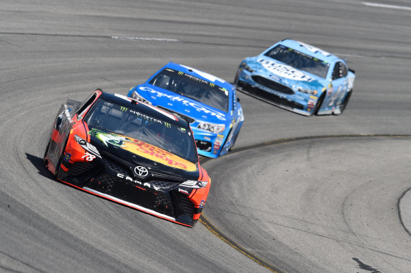 Monster Energy NASCAR Cup Series Toyota Owners 400 Richmond International Raceway, Richmond, VA USA Sunday 30 April 2017 Martin Truex Jr, Furniture Row Racing, Bass Pro Shops/TRACKER BOATS Toyota Camry, Kyle Larson, Chip Ganassi Racing, Credit One Bank Chevrolet SS World Copyright: John Harrelson / LAT Images