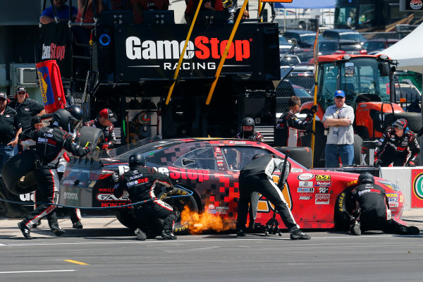 2017 NASCAR Xfinity Series My Bariatric Solutions 300 Texas Motor Speedway, Fort Worth, TX USA Saturday 8 April 2017 Erik Jones, Game Stop/ GAEMS Toyota Camry pit stop World Copyright: Russell LaBounty/LAT Images ref: Digital Image 17TEX1rl_3792