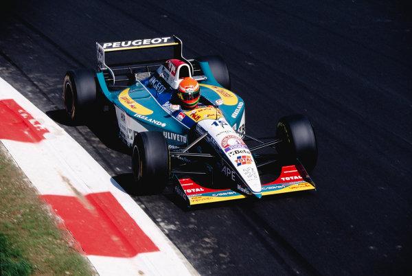 1995 Italian Grand Prix.Monza, Italy. 8-10 September 1995.Eddie Irvine (Jordan 195 Peugeot).Ref-95 ITA 52.World Copyright - LAT Photographic