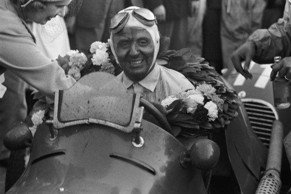 1948 British Grand Prix.Silverstone, Great Britain.2 October 1948.Luigi Villoresi (Maserati 4CLT/48), 1st position.World - LAT Photographic
