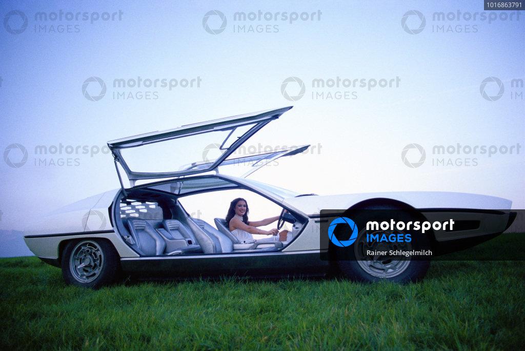 Bertone Lamborghini Marzal Concept Car