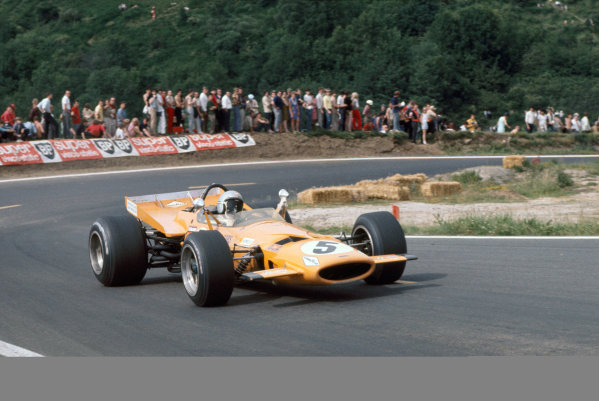 Clermont-Ferrand, France. 6 July 1969 Bruce McLaren, McLaren M7C-Ford, 4th position, action World Copyright: LAT Photographic. Ref: 69FRA24.