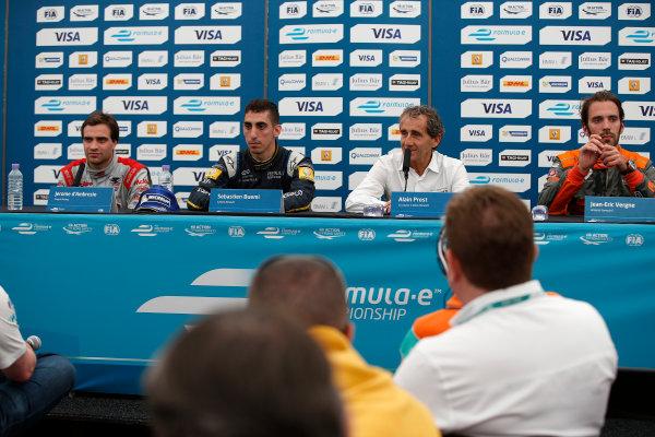 2014/2015 FIA Formula E Championship. London e-Prix, Battersea Park, London, UK. Saturday 27 June 2015. Sebastien Buemi (SWI)/E.dams Renault - Spark-Renault SRT_01E, Jerome D'Ambrosio (BEL)/Dragon Racing - Spark-Renault SRT_01E, Alain Prost, and Jean-Eric Vergne (FRA)/Andretti Motorsport - Spark-Renault SRT_01E  World Copyright: Glenn Dunbar/LAT Photographic/Formula E. ref: Digital Image _89P8571