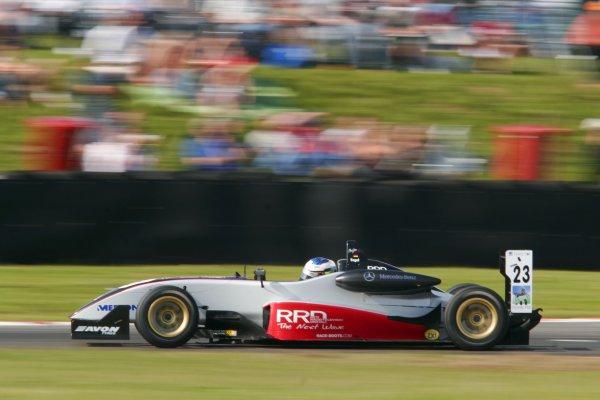 2007 British Formula Three Championship. Snetterton, England. 2nd - 3rd June 2007.Maro Engel (Carlin Motorsport).Action.World Copyright: Drew Gibson/LAT Photographic.Ref: Digital Image Only.