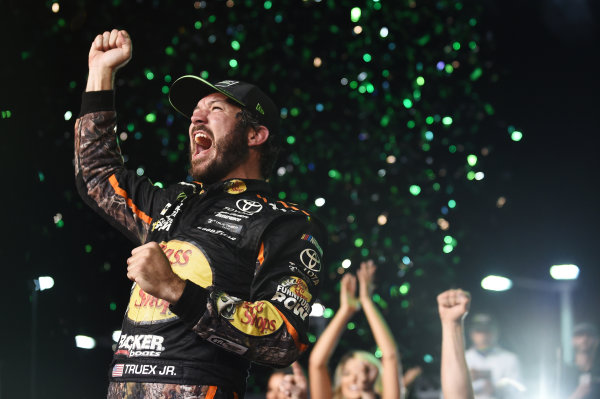 Monster Energy NASCAR Cup Series Homestead-Miami Speedway, Homestead, Florida USA Sunday 19 November 2017 2017 champion Martin Truex Jr, Furniture Row Racing World Copyright: Rainier Ehrhardt / LAT Images ref: Digital Image cup-homestead-race-2084