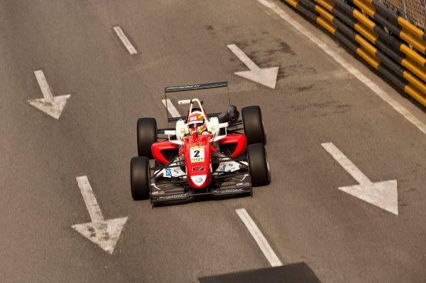 Formula Three. 16th - 19th November 2011. Circuit de Guia, Macau. Laurens Vanthoor, Signature. Action. World Copyright: Drew Gibson/LAT Photographic. ref: Digital Image _Y2Z6291