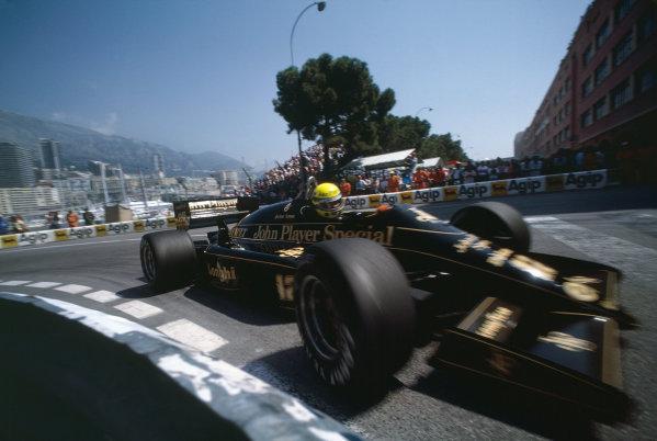 1986 Monaco Grand Prix. Monte Carlo, Monaco. 8th - 11th May 1986. Ayrton Senna (Lotus 98T-Renault), 3rd position, action.  World Copyright: LAT Photographic. Ref:  86MON72.