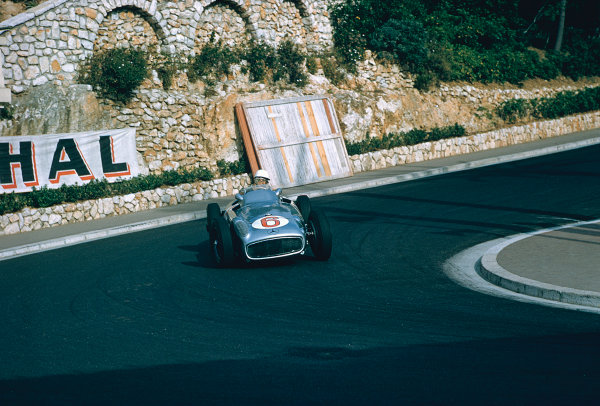 1955 Monaco Grand Prix. Monte Carlo, Monaco. 19-22 May 1955. Stirling Moss (Mercedes-Benz W196) 9th position, at Station Hairpin. Ref-55 MON 03. World Copyright - LAT Photographic