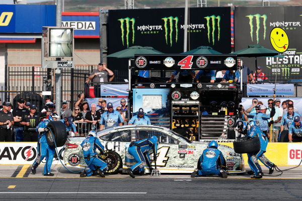 Monster Energy NASCAR Cup Series Monster Energy NASCAR All-Star Race Charlotte Motor Speedway, Concord, NC USA Friday 19 May 2017 Kevin Harvick, Stewart-Haas Racing, Busch Bucks Ford Fusion World Copyright: Matthew T. Thacker LAT Images ref: Digital Image 17CLT1mt1336