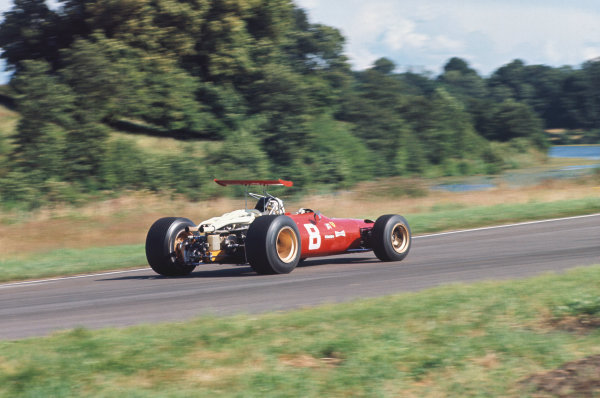 1968 International Gold Cup.  Oulton Park, England. 17th August 1968.  Chris Amon, Ferrari 312, 2nd position.  Ref: 68GC06. World Copyright: LAT Photographic