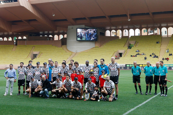 Monte Carlo, Monaco. Tuesday 19 May 2015. The teams line up at the 22nd World Stars football match. World Copyright: Charles Coates/LAT Photographic. ref: Digital Image _J5R5572