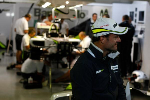 Interlagos, Sao Paulo, Brazil.17th October 2009.Rubens Barrichello, Brawn GP BGP001 Mercedes. Portrait. World Copyright: Charles Coates/LAT Photographicref: Digital Image _26Y2567