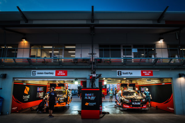 2017 Supercars Championship Round 7.  Townsville 400, Reid Park, Townsville, Queensland, Australia. Friday 7th July to Sunday 9th July 2017. James Courtney drives the #22 Mobil 1 HSV Racing Holden Commodore VF, Scott Pye drives the #2 Mobil 1 HSV Racing Holden Commodore VF. World Copyright: Daniel Kalisz/ LAT Images Ref: Digital Image 070717_VASCR7_DKIMG_2586.jpg