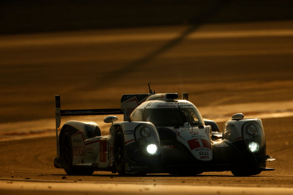 2015 FIA World Endurance Championship Bahrain 6-Hours Bahrain International Circuit, Bahrain Saturday 21 November 2015. Anthony Davidson, S?bastien Buemi, Kazuki Nakajima (#1 LMP1 Toyota Racing Toyota TS 040 Hybrid). World Copyright: Alastair Staley/LAT Photographic ref: Digital Image _79P0873