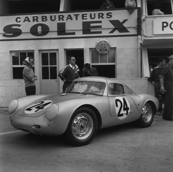 Le Mans, France. 28th - 29th July 1956.Umberto Maglioli/Hans Herrmann (Porsche 550A RS CoupeŽ), retired,  action. World Copyright: LAT Photographic.Ref: 630.