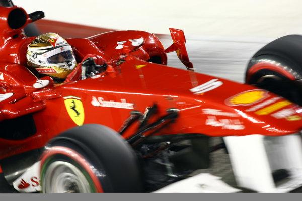 Marina Bay Circuit, Singapore.24th September 2011.Fernando Alonso, Ferrari 150° Italia. Action. World Copyright: Andy Hone/LAT Photographicref: Digital Image CSP28425