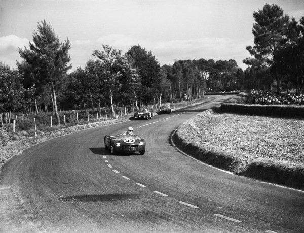 Le Mans, France. 24th - 25th June 1950 Jacques Savoye/Eugene Dussous (Monopole Tank X84-Panhard), retired, action. World Copyright: LAT Photographic Ref: Motor 744 - 8.