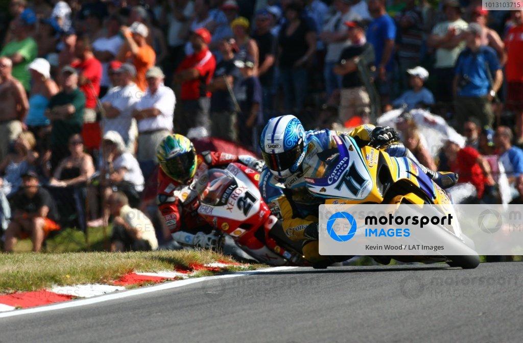 2007 World Superbike Championship. Brands Hatch, England. 3rd - 5th August 2007. Yukio Kagayama, Suzuki GSXR1000 K7, leads Troy Bayliss, Ducati F07, action. World Copyright: Kevin Wood/LAT Photographic ref: Digital Image