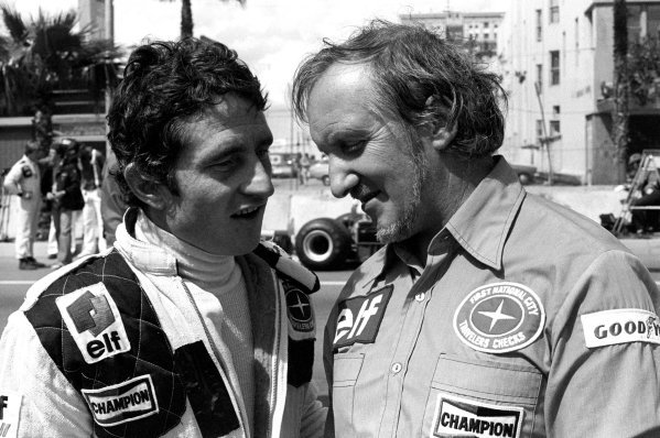 Patrick Depailler (FRA), Tyrrell, left, in conversation with Maurice Phillippe (GBR) Tyrrell Designer. United States Grand Prix West, Rd4, Long Beach, California, USA, 2 April 1978.