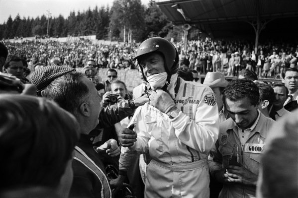 Dan Gurney, Eagle T1G Weslake. On the right alongside him Jo Ramirez.