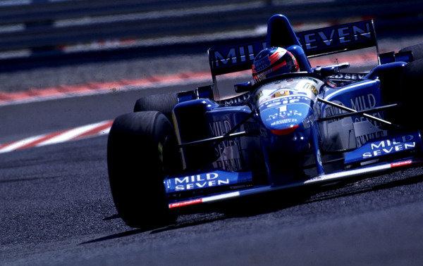 1995 Portuguese Grand Prix.Estoril, Portugal.22-24 September 1995.Michael Schumacher (Benetton B195 Renault) 2nd position.World Copyright - LAT Photographic