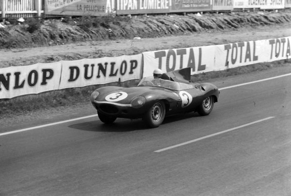 Ron Flockhart / Ivor Bueb, Ecurie Ecosse, Jaguar D-type.