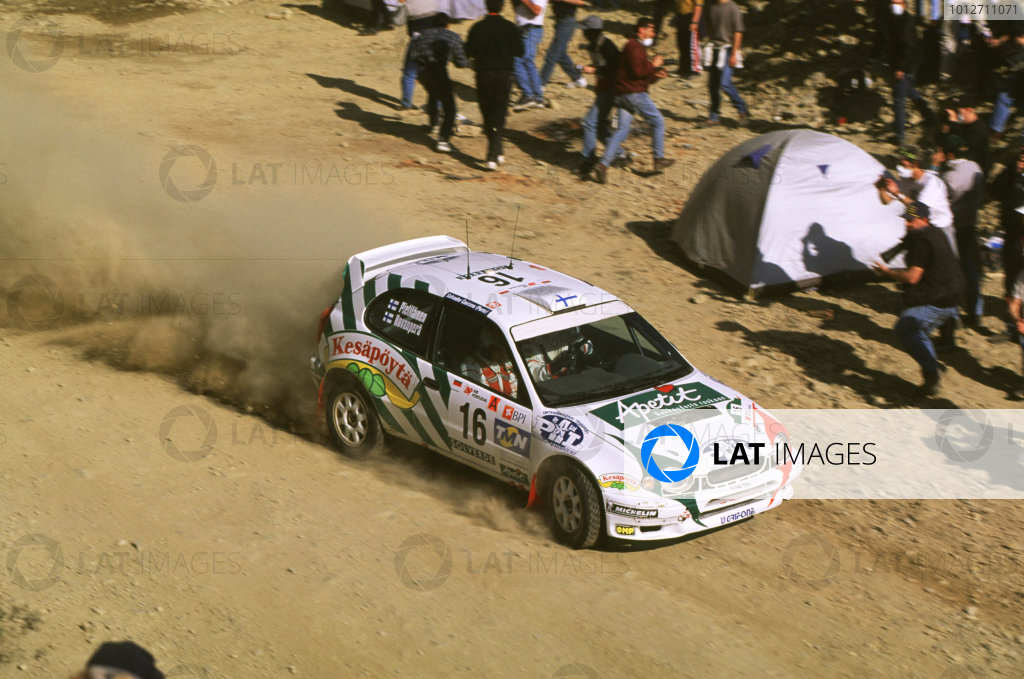 WRC-Harri Rovanpera and co driver in Toyota-Action.
