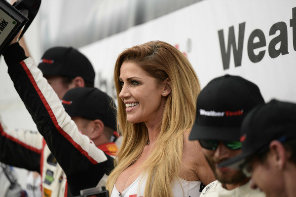 WeatherTech Grid Girl