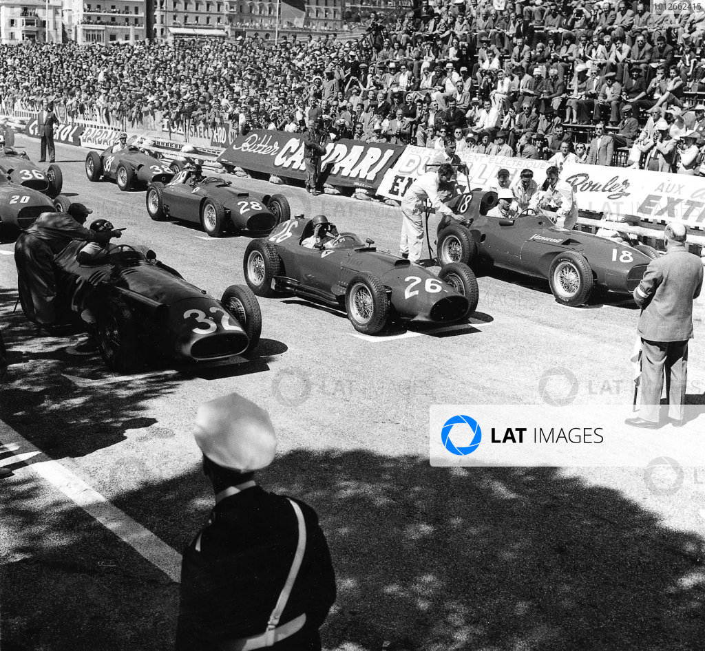 Monte Carlo, Monaco. 16-19 May 1957. Juan Manuel Fangio (number 32, Maserati 250F), Peter Collins (Lancia-Ferrari D50 801) and Stirling Moss (Vanwall) on the front row. Fangio finished in 1st position. Published-Autocar 24/5/1957 p704. World Copyright - LAT Photographic