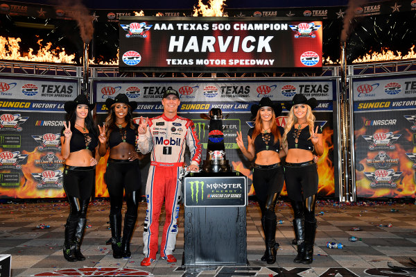 Monster Energy NASCAR Cup Series AAA Texas 500 Texas Motor Speedway Fort Worth, TX USA Sunday 5 November 2017 Kevin Harvick, Stewart-Haas Racing Rodney, Mobil 1 Ford Fusion wins World Copyright: Rusty Jarrett LAT Images