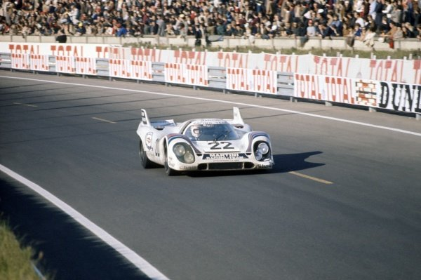 1971 Le Mans 24 hours. Le Mans, France. 12-13 June 1971. Helmut Marko/Gijs van Lennep (Porsche 917K), 1st position. World Copyright: LAT Photographic Ref: 71LM37
