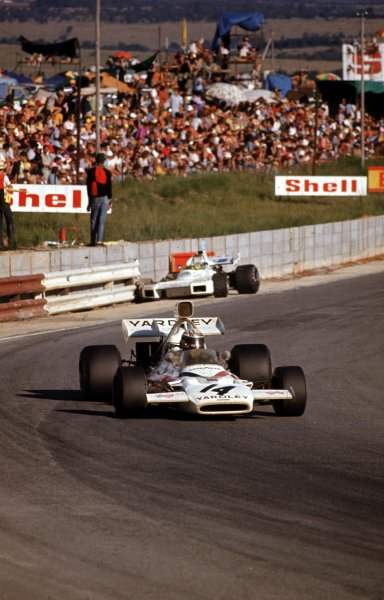1972 South African Grand Prix.Kyalami, South Africa.2-4 March 1972.Peter Revson (McLaren M19A Ford) 3rd position.Ref-72 SA 14.World Copyright - LAT Photographic