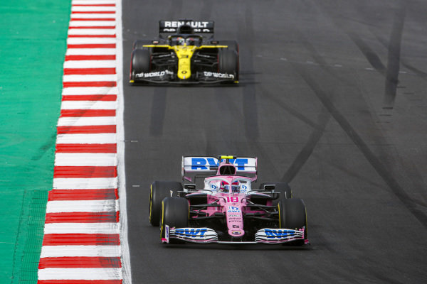 Lance Stroll, Racing Point RP20, leads Daniel Ricciardo, Renault R.S.20