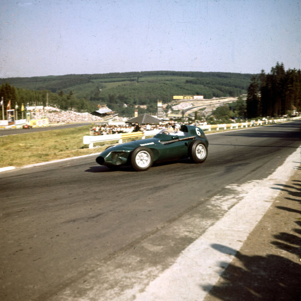 1958 Belgian Grand Prix.Spa-Francorchamps, Belgium.13-15 June 1958.Stuart Lewis-Evans (Vanwall VW4) 3rd position. The front of his car is dented.Ref-3/0052.World Copyright - LAT Photographic