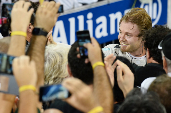 Race winner Nico Rosberg (GER) Mercedes AMG F1 celebrates in parc ferme at Formula One World Championship, Rd19, Abu Dhabi Grand Prix, Race, Yas Marina Circuit, Abu Dhabi, UAE, Sunday 29 November 2015.