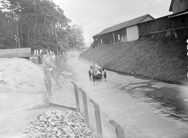 Yves Giraud-Cabantous, Talbot-Lago T26C, leads Juan Manuel Fangio, Alfa Romeo 159.