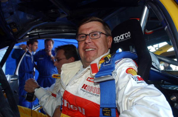 2002 World Rally Championship.Neste Rally Finland, Jyvaskyla Finland, August 8-11th.Ex World Rally Champion Timo Salonen gets behind the wheel of a Peugeot 206 WRC 25 years after he drove to the Championship titlePhoto: Ralph Hardwick/LAT