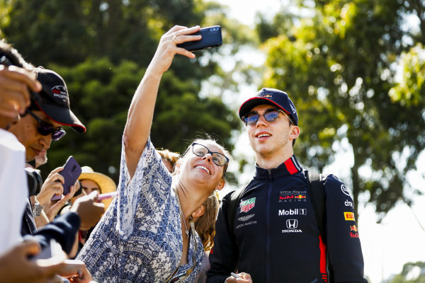 Pierre Gasly, Red Bull Racing takes a selfie with a fan
