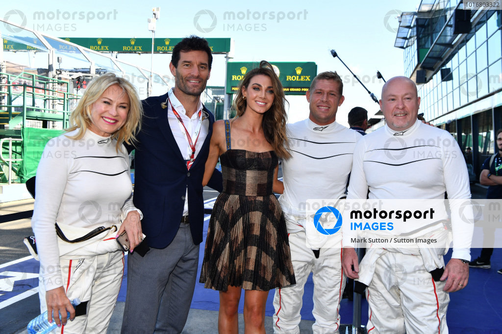 Mark Webber (AUS) and F1 Experiences 2-Seater passengers at Formula One World Championship, Rd1, Australian Grand Prix, Race, Melbourne, Australia, Sunday 25 March 2018.