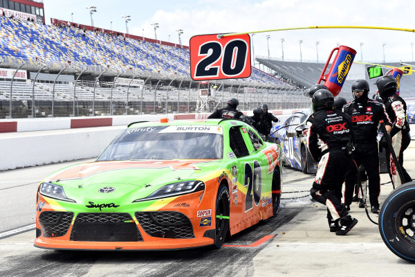 #20: Harrison Burton, Joe Gibbs Racing, Toyota Supra DEX Imaging pit stop