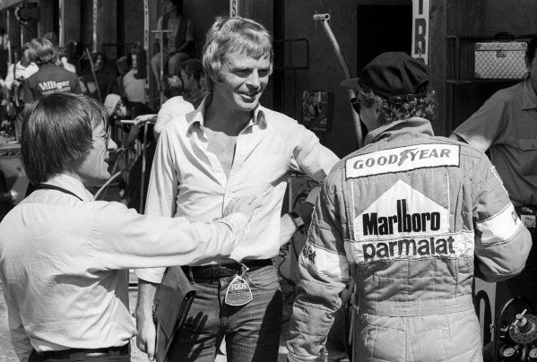 (L to R): Bernie Ecclestone (GBR) Brabham Team Owner talks with Max Mosley (GBR) FOCA Legal Advisor, and race winner Niki Lauda (AUT) Brabham. Italian Grand Prix, Rd14, Monza, Italy, 10 September 1978.