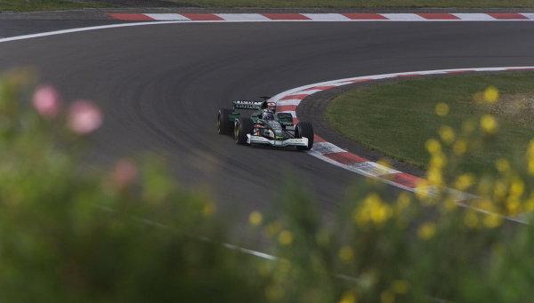 2001 European Grand Prix - RaceNurburgring, Germany. 24th June 2001.Eddie Irvine, Jaguar R2, action.World Copyright: Steve Etherington/LAT Photographicref: 18mb Digital Image Only
