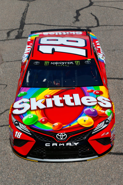 2017 Monster Energy NASCAR Cup Series - Camping World 500 Phoenix International Raceway - Avondale, AZ USA Friday 17 March 2017 Kyle Busch, Skittles Toyota Camry World Copyright: Russell LaBounty/LAT Images ref: Digital Image 17PHX1rl_0713