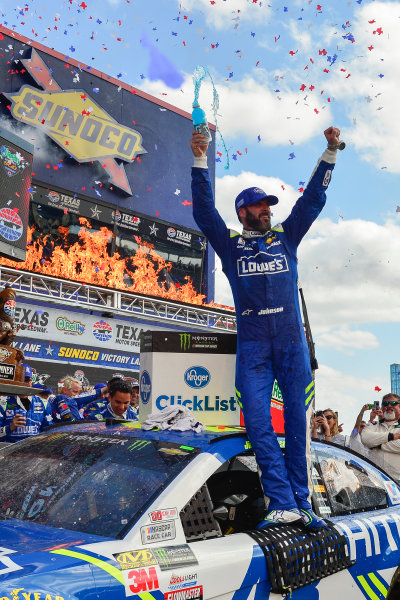 2017 Monster Energy NASCAR Cup Series O'Reilly Auto Parts 500 Texas Motor Speedway, Fort Worth, TX USA Sunday 9 April 2017 Jimmie Johnson celebrates in Sunoco Victory Lane World Copyright: Logan Whitton/LAT Images ref: Digital Image 17TEX1LW3668