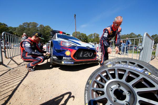 2017 FIA World Rally Championship, Round 04, Rallye de France, Tour de Corse, April 06-09, 2017, Hayden Paddon, Hyundai, service Worldwide Copyright: McKlein/LAT