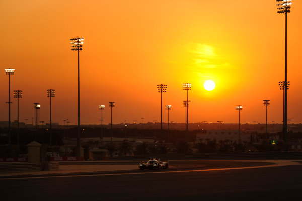 2017 FIA World Endurance Championship, Bahrain International Circuit, Bahrain. 16th-18th November 2017, #7 Toyota Gazoo Racing Toyota TS050-Hybrid: Mike Conway, Kamui Kobayashi, Jose Maria Lopez  World Copyright. JEP/LAT Images
