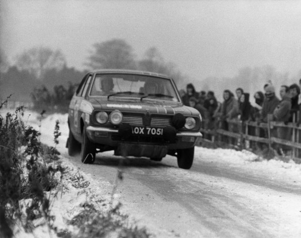 Harrogate, England. 20th - 25th November 1971.Brian Culcheth/William Cave (Morris Marina), 20th position overall, action.World Copyright: LAT Photographic.Ref:  L71 - 1928 -36A.
