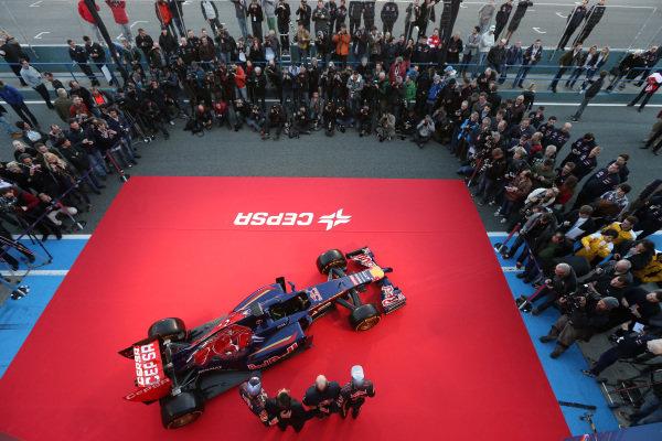 Scuderia Toro Rosso STR9 is unveiled. Scuderia Toro Rosso STR9 Launch, Jerez, Spain, Monday 27 January 2014. BEST IMAGE